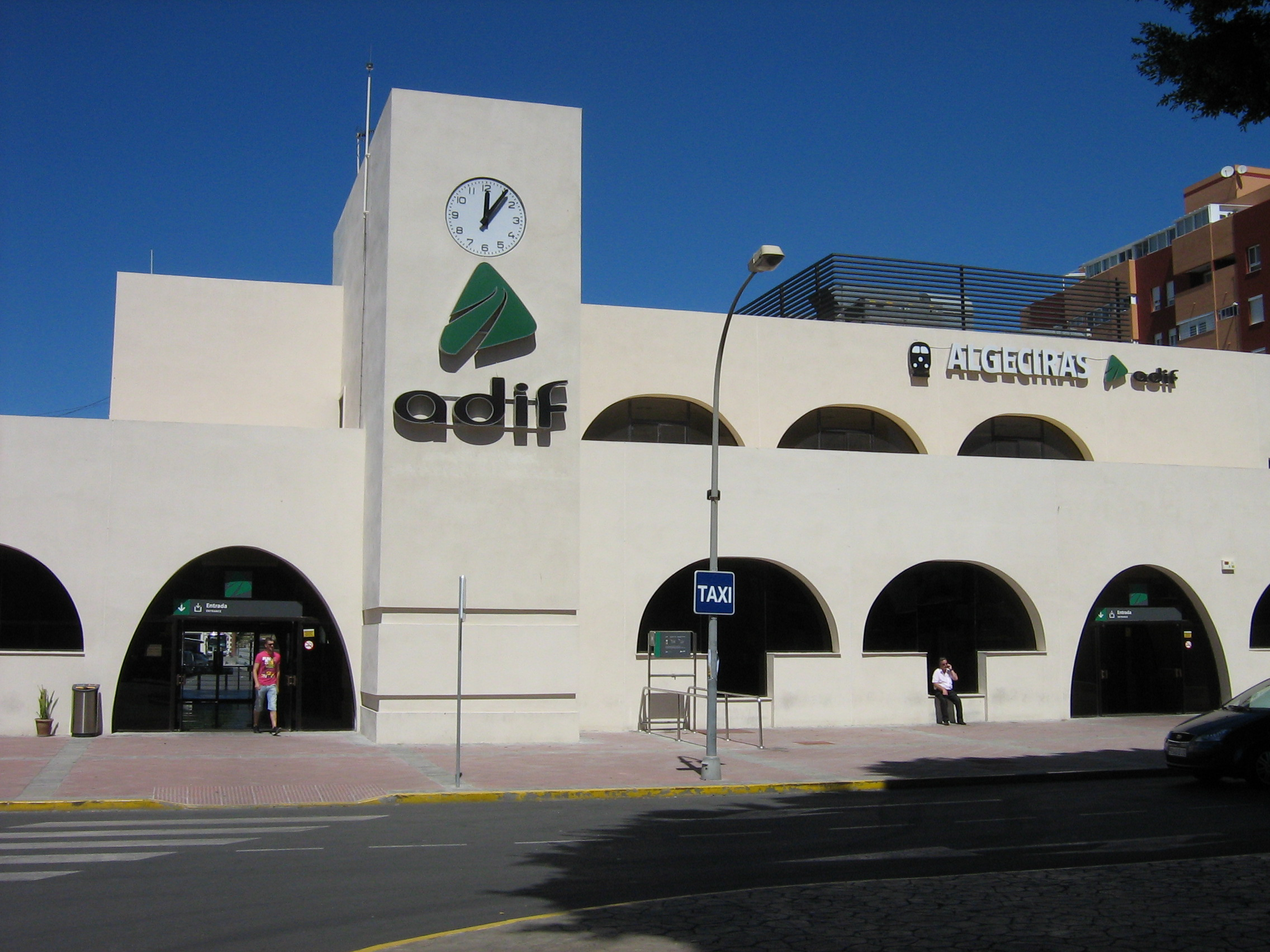 Cambio iluminación LED a la Renfe Algeciras